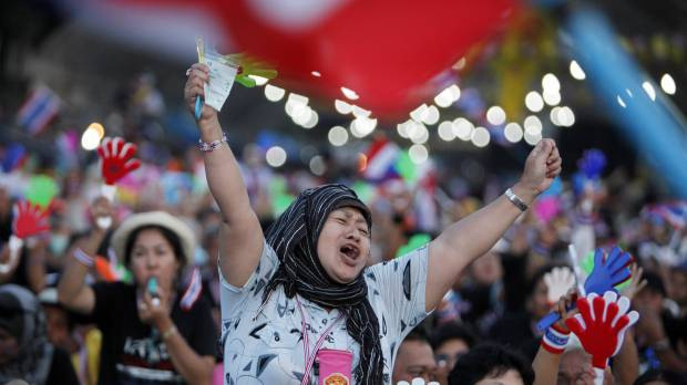 Thai leader dissolves parliament, calls polls amid protests