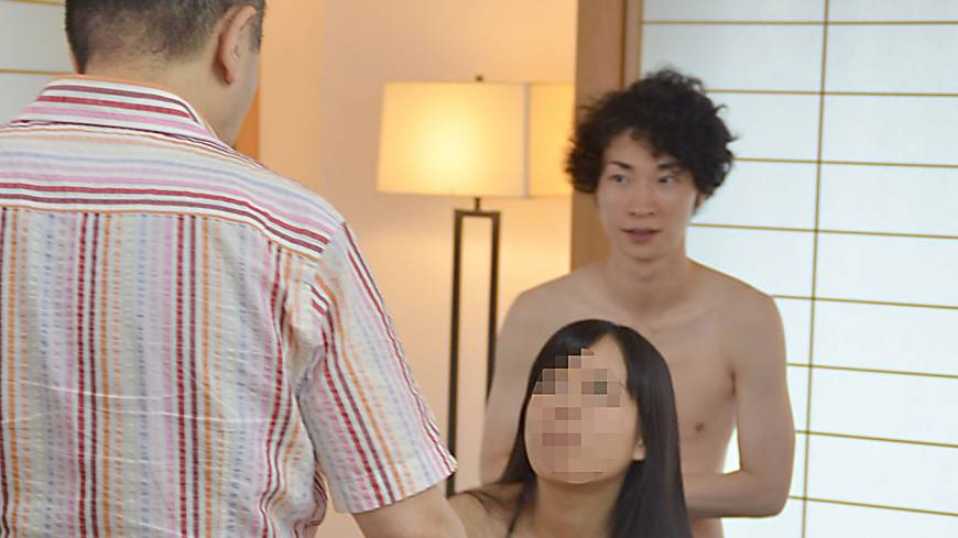 Action:  Takatsuki gives instructions to Shiori and male talent Mumin.
