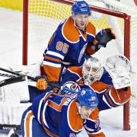 Scrivens sets record as Oilers shut out Sharks