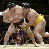 Kisenosato's promotion bid suffers devastating blow