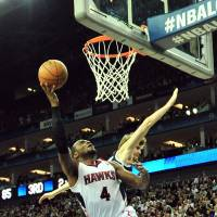 Johnson powers Nets past Hawks in London