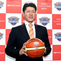 Mr. Basketball: Kenichi Sako will hope his success as a player carries over to his new position as head coach of the Hiroshima Dragonflies. | KAZ NAGATSUKA