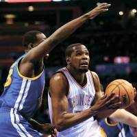 Durant scores career-high 54 points as Thunder hold off Warriors