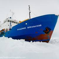 American icebreaker headed for Antarctica to aid trapped ships