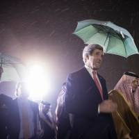 Kerry says Saudis support intense Mideast peace push