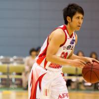 Smart decisions: Iwate's Tsubasa Yonamine ranks among the most cerebral guards in the bj-league's nine-year history. | TAKASHI SATO