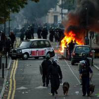 Jury vindicates London police over riots killing