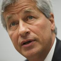 JPMorgan Chase head Dimon scoops $8.5 million despite bank's jumbo fines