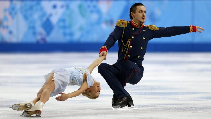 The flawless performance of Russian pair Maxim Trankov and Tatiana Volosozhar Thursday boosts their country to the top slot in the team competition of figure skating.