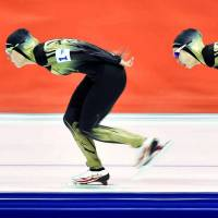 Japanese speedskaters miss medal as Dutch beat all comers