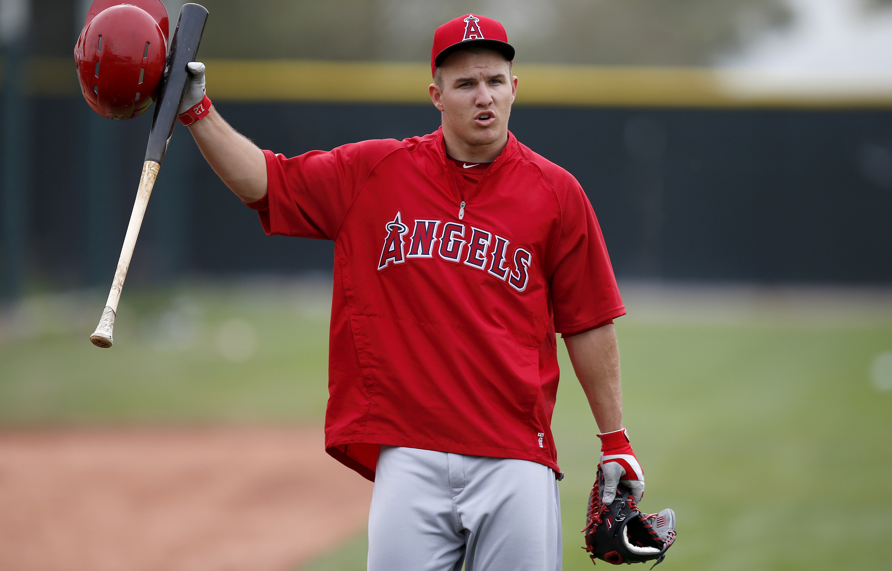 Mike Trout Batting 2014 Angels reel in Trout w...