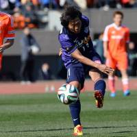 Best foot forward: Hisashi Sato (right) figures to play a vital role for Sanfrecce this season. | AFP-JIJI