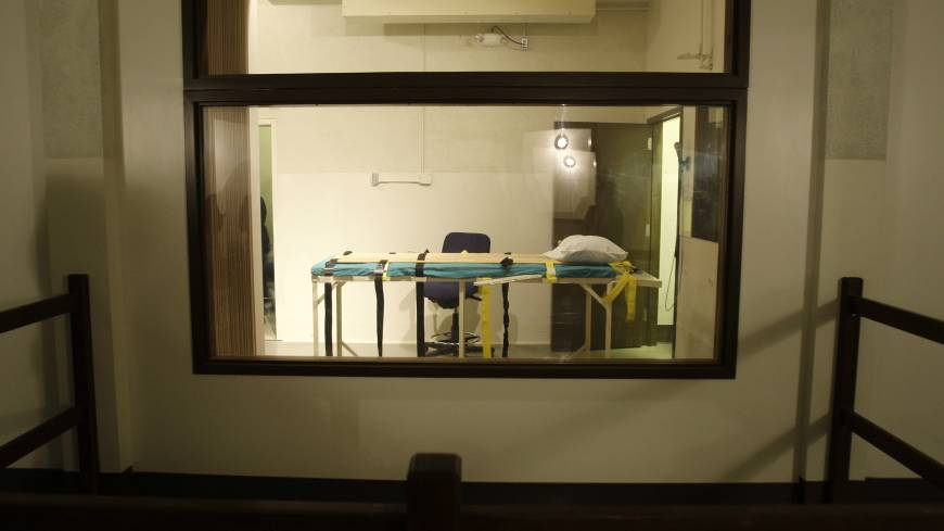 The death chamber at the  Washington State Penitentiary in Walla Walla is seen from the witness gallery and from within.