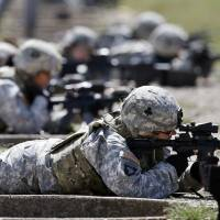 Few U.S. Army women want any role in combat