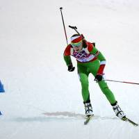Hat trick: Belarus' Darya Domracheva competes in the women's biathlon 12.5-km mass start race at the Sochi Olympics on Monday. | AFP-JIJI