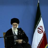 Talks on Iranian nuclear program make tentative progress