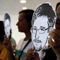 Snowden copied co-worker's password, NSA tells Congress