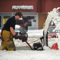 Snowstorm brings strandings and tragedy to U.S. east