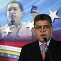 Maduro, citing meddling by Washington, orders U.S. Embassy officials out