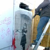 Neighbors thwart Banksy mural theft attempt