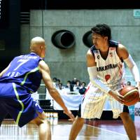 Among the best: Wakayama Trians guard/forward Takuya Kawamura has expanded his game playing for Zeljko Pavlicevic, his former Japan national team coach, this season. | KAZ NAGATSUKA