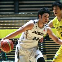 Team effort gives SeaHorses win over Sunrockers