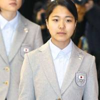 Ski jumper Takanashi receives applause upon return to Narita aiport