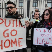 Crimea welcomed 'home'