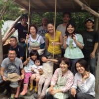 New horizons: Transition Town Hamamatsu members at an outdoor workshop. | JUN OMURA