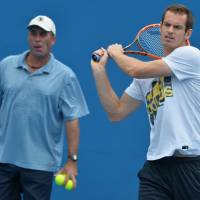 Murray splits with coach Lendl after two years