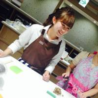 Easy as 1, 2, 3: ABC Cooking Studio's branches around Japan offer in-depth courses for Japanese and foreign cuisine, with English lessons available at its branch in Roppongi, Tokyo. The Shibuya branch is offering free trial lessons through March 31. | ANGELA ERIKA KUBO (FAR LEFT)