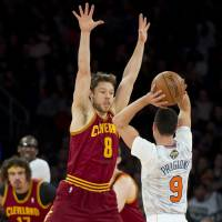 Cavaliers cool off Knicks' hot streak