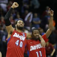Dayton beats Stanford to reach first Elite Eight since '84