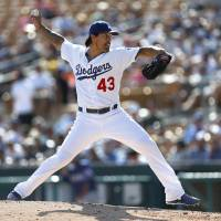 Ramirez returns to lead Dodgers past Rangers