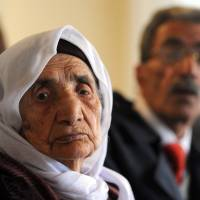 107-year-old Syrian is reunited with family in Germany