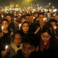 Court temporarily stays hanging of two New Delhi rape case convicts