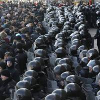 Clashes erupt across Ukraine as Putin remains defiant