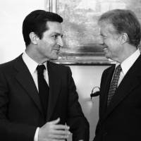 Spanish Prime Minister Adolfo Suarez (left) meets with U.S. President Jimmy Carter at the White House on Jan. 14, 1980. | AP