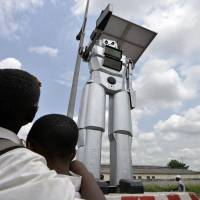 Kinshasa co-op hopes to conquer world with traffic robots