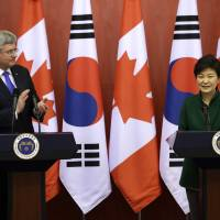 S. Korea, Canada wrap up free trade deal