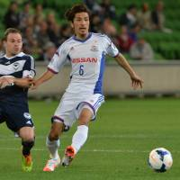 Melbourne defeats Yokohama; Forlan scores for Cerezo Osaka