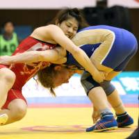 Yoshida leads Japan to wrestling World Cup win
