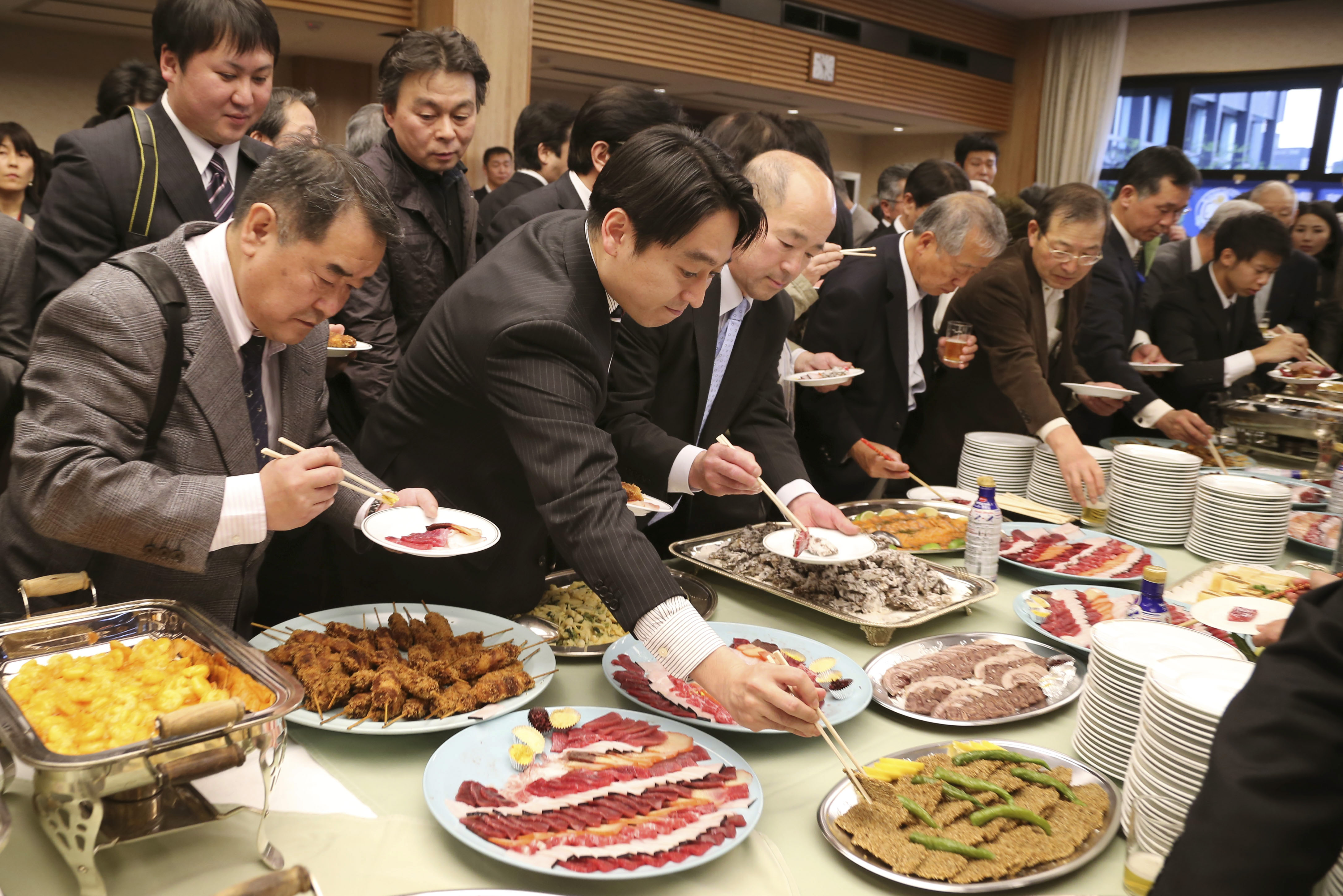 Diet members dine on whale meat in defiance of ICJ ruling ...