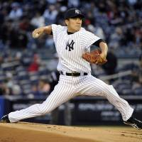 Tanaka fans 10 in no-decision