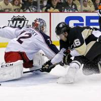 Penguins come back to beat Blue Jackets in playoff opener