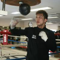 Hometown hero: Ryota Murata works out at Teiken Gym on Monday. | KAZ NAGATSUKA