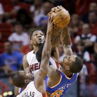 Heat victory pushes Knicks closer to edge