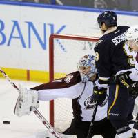 Avalanche crush Blues, give Roy 50th coaching victory in first year