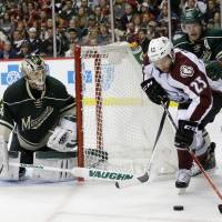 Wild even up first-round series with Avalanche