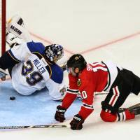 Blackhawks oust Blues with win